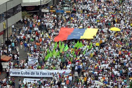 car3-marcha opositora contra ingerencia cubana en las fanb3